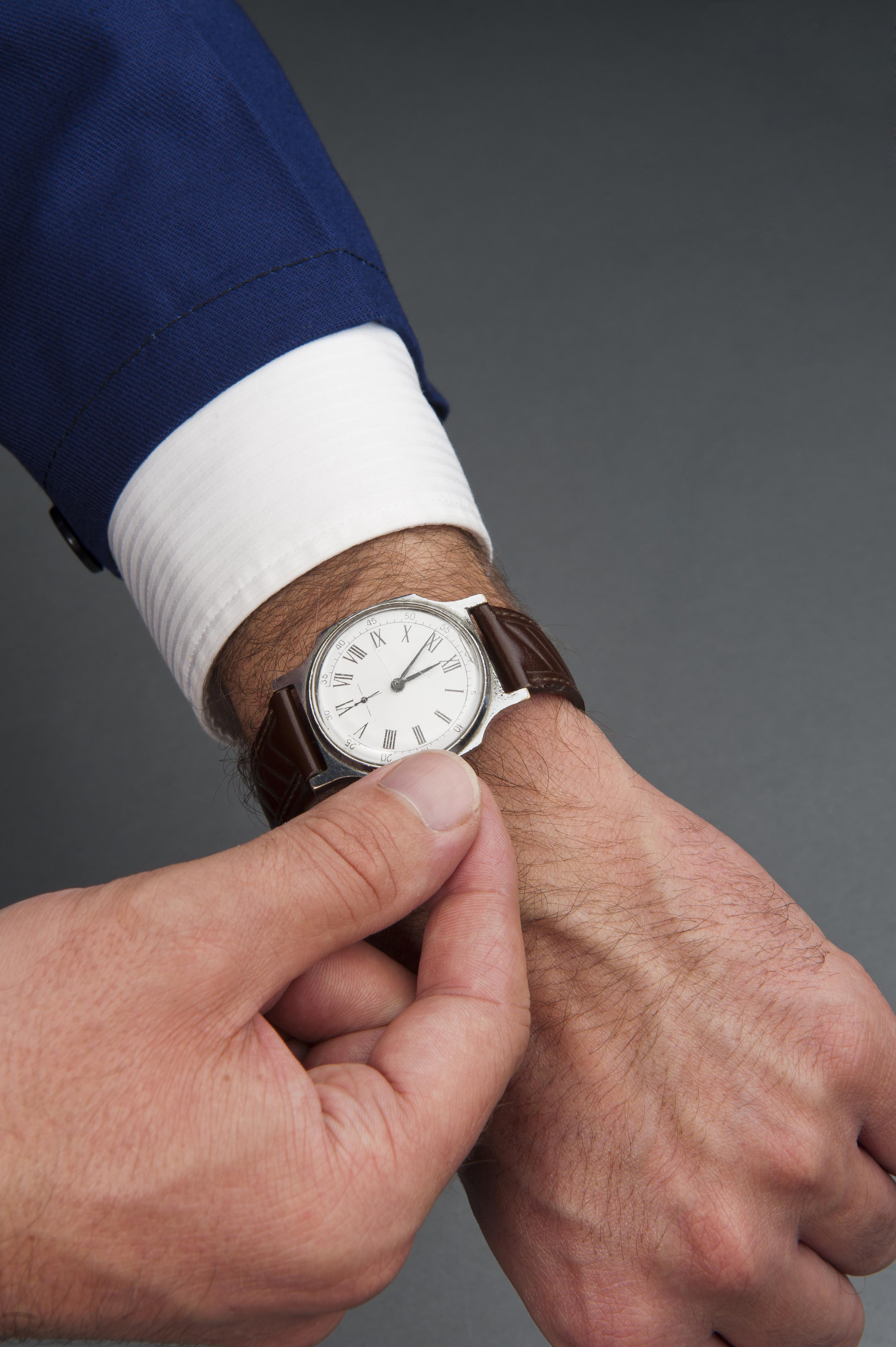 Adelantar una hora el reloj