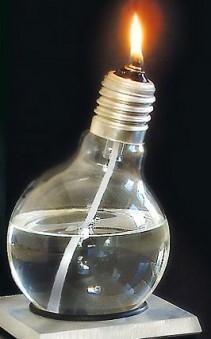 Lámpara de aceite a partir de una bombilla convencional